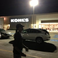 Photo taken at Kohl's by 4⃣Leonidas™ on 11/1/2012