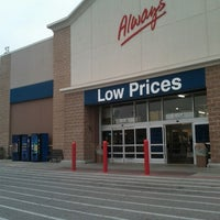 Photo taken at Walmart Supercenter by Lakiesha D. on 4/23/2013