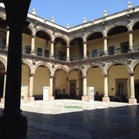 Photo taken at Museo de Medicina by Ariaddna A. on 3/17/2014