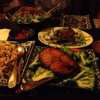 Снимок сделан в Green Leaf Vietnamese Restaurant пользователем Carlo T. 11/7/2012