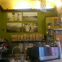 Photo taken at GreenStreet Coffee Roasters by Robert H. on 7/12/2015