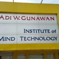 Photo taken at Adi W. Gunawan Institute   Klinik Hipnoterapi by Milvie S. on 1/10/2015