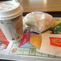 Photo taken at McDonald's by Harriette on 3/22/2013