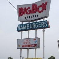 Photo taken at Big Boy Burgers by ❄️⛄️Jabba⛄️❄️ on 7/13/2013