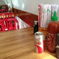 Foto scattata a Xoia Vietnamese Eats da Sara C. il 1/16/2013