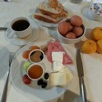 11/26/2012 tarihinde Emre Sziyaretçi tarafından Akar International Hotel'de çekilen fotoğraf