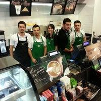 10/20/2013 tarihinde Emre Sziyaretçi tarafından Starbucks'de çekilen fotoğraf