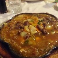 Photo taken at The Chinese Restaurant (Abu Khalil) | المطعم الصيني (أبو خليل) by Hamzeh Q. on 1/23/2015
