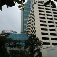 Photo taken at YellowPages (Sales) Vanit Building by Ittichai W. on 11/11/2012