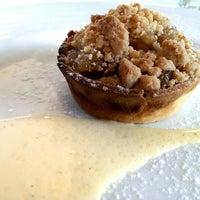 8/18/2013 tarihinde Serene Y.ziyaretçi tarafından Philippe Restaurant'de çekilen fotoğraf