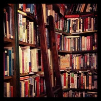 Photo prise au Shakespeare & Company par Carter S. le11/23/2012