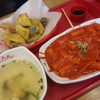 Photo taken at 죠스떡볶이 jaws food by Song Yi on 5/3/2013