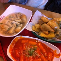 Photo taken at 죠스떡볶이 jaws food by Song Yi on 1/6/2013
