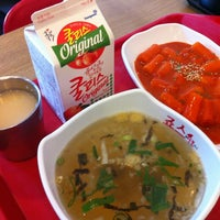 Photo taken at 죠스떡볶이 jaws food by Song Yi on 12/12/2012