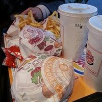 Снимок сделан в Burger King пользователем Robert M. 11/1/2012