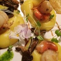 Foto tirada no(a) Lanna Thai Fusion Cuisine por Isaias em 9/18/2015