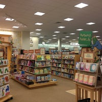 Photo taken at Barnes & Noble by Haslindawati H. on 3/10/2013