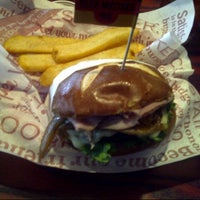 Photo taken at Red Robin Gourmet Burgers by John B. on 10/5/2012
