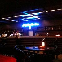 10/18/2012 tarihinde Deniz Ü.ziyaretçi tarafından Highlights Bar'de çekilen fotoğraf