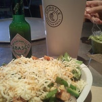 Foto tomada en Chipotle Mexican Grill por Burton C. el 11/26/2012