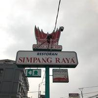 Photo taken at Restoran Simpang Raya by henry s. on 5/27/2017