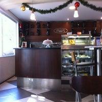 Foto tirada no(a) Fran's Café por Jose Silverio A. em 11/28/2012