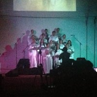 Photo taken at Igreja Crista Evangelica Do Jardim America by Edmar on 12/16/2012
