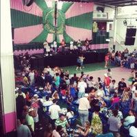 Foto tirada no(a) G.R.E.S. Estação Primeira de Mangueira por Gustavo em 10/13/2012