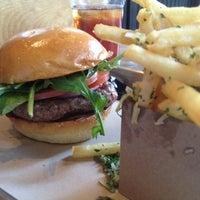 Das Foto wurde bei Chop House Burger von Erik am 3/12/2013 aufgenommen