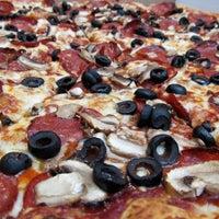 Foto diambil di Ronny's Pizza Saburtalo | რონის პიცა საბურთალო oleh Eric B. pada 9/26/2012