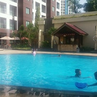 Photo taken at Swimming Pool Kristal Hotel by Dini A. on 10/22/2017