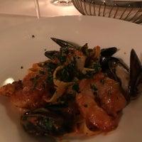 Foto tomada en Forepaugh's Restaurant por Suzanne el 11/3/2017