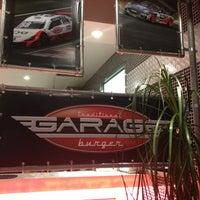 Foto tirada no(a) Garage Burger por Rosana A. em 2/25/2013