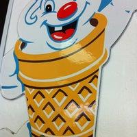 Foto diambil di Fosters Freeze oleh Mackay pada 9/22/2012