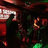 Foto tomada en Rock&Roll Radio Club por John S. el 4/6/2013