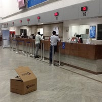 Photo taken at Emirates Post Office مكتب بريد الإمارات by Ran on 4/9/2013