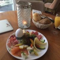 Das Foto wurde bei CAFÉ gestern, heute & morgen von Daria K. am 5/17/2017 aufgenommen