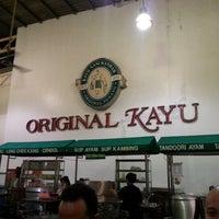 Photo taken at Restoran Original Penang Kayu Nasi Kandar by Alex D. on 12/31/2012