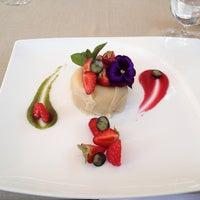 Снимок сделан в Restaurant Le Dome пользователем Nikolay 6/9/2013