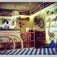Снимок сделан в Caffe Centrale пользователем Kisella U. 10/22/2012