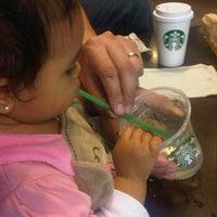 Photo taken at Starbucks by Rolando F. S. on 10/13/2012