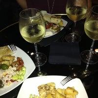 รูปภาพถ่ายที่ Chandelier Cafè โดย Velissa เมื่อ 10/14/2012