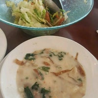Photo taken at Olive Garden by Becky S. on 3/27/2017