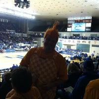 5/13/2013 tarihinde Chadziyaretçi tarafından Memorial Coliseum'de çekilen fotoğraf