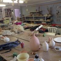Photo taken at Sharon Mitrie Pottery Studio by Riegardt on 10/12/2013