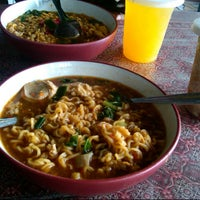 Photo taken at Mie SP (Spesial Pedas) by Ayu A. on 4/11/2013