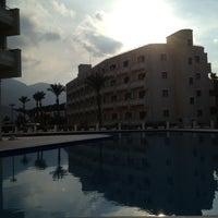 11/29/2012 tarihinde Uguralpziyaretçi tarafından Vuni Palace Hotel'de çekilen fotoğraf