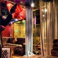 5/26/2013 tarihinde Selman E.ziyaretçi tarafından Al Fakheer Shisha Lounge'de çekilen fotoğraf