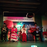 Photo taken at La Taberna de Mister Pinkleton by Xiomara R. on 10/27/2013