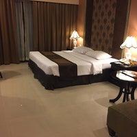 Photo taken at FuramaXclusive Sukhumvit Hotel by Kathy on 1/13/2016